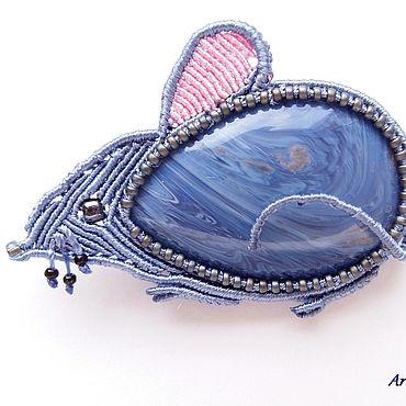 Украшения ручной работы. Ярмарка Мастеров - ручная работа Броши: Мышь новогодняя синяя. Handmade.