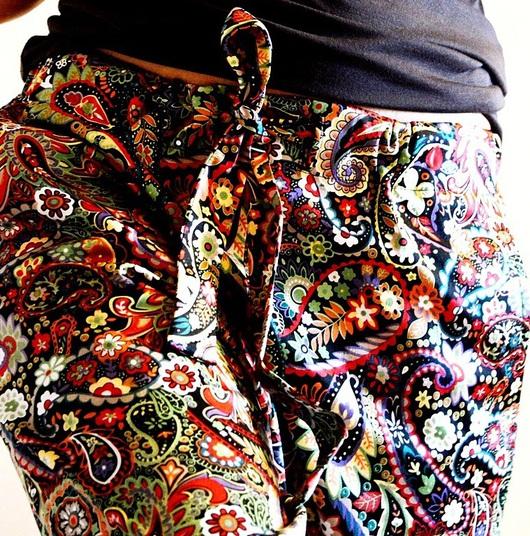 Брюки, шорты ручной работы. Ярмарка Мастеров - ручная работа. Купить Цветные штаны. Handmade. Орнамент, свободные штаны, лето