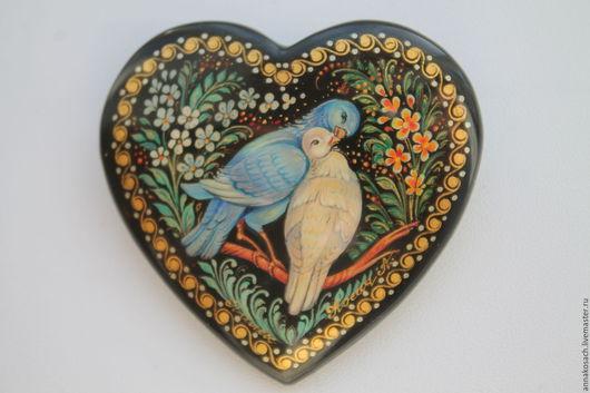 """Броши ручной работы. Ярмарка Мастеров - ручная работа. Купить брошь с авторской росписью """"Голуби"""". Handmade. Комбинированный, птицы"""