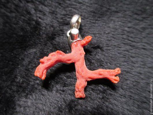 Кулоны, подвески ручной работы. Ярмарка Мастеров - ручная работа. Купить Кулон с благородным красным кораллом и жемчугом. Handmade. Коралловый