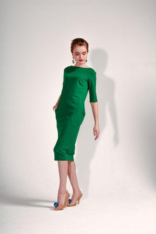 Платья ручной работы. Ярмарка Мастеров - ручная работа. Купить Трикотажное изумрудное платье-миди. Handmade. Тёмно-зелёный