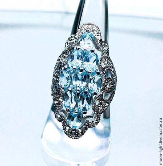 Кольца ручной работы. Ярмарка Мастеров - ручная работа. Купить Крупный перстень со Sky Blue топазом и белым топазом. Handmade.