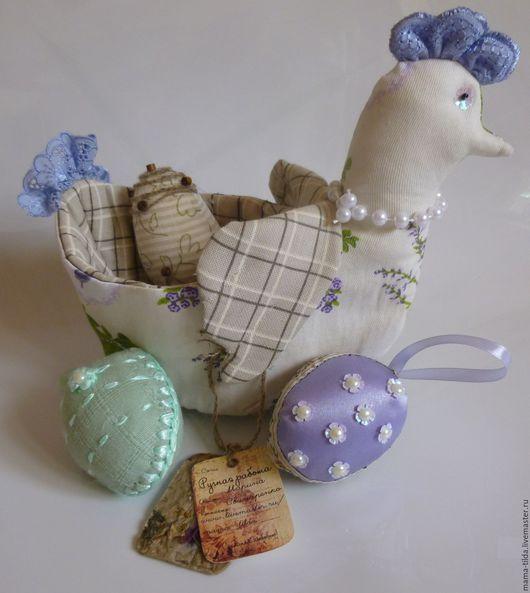 Игрушки животные, ручной работы. Ярмарка Мастеров - ручная работа. Купить Текстильная   курочка-корзинка в стиле Тильда с пасхальными яйцами. Handmade.