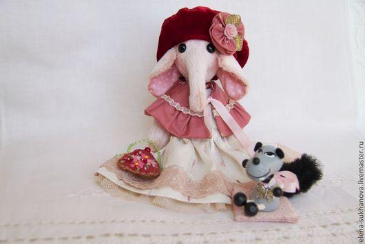 """Мишки Тедди ручной работы. Ярмарка Мастеров - ручная работа. Купить Слоник """"Красная Шапочка"""". Handmade. Бордовый, сказка, слоник"""