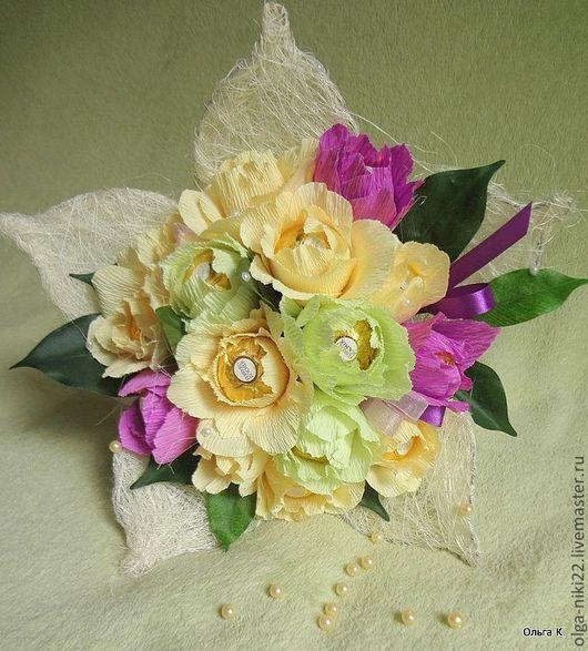 """Букеты ручной работы. Ярмарка Мастеров - ручная работа. Купить Букет из конфет """"Кремовые розы"""". Handmade. Кремовый, ферреро роше"""