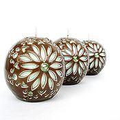 Подарки к праздникам ручной работы. Ярмарка Мастеров - ручная работа Резные свечи шары в наборе - love you mom - коричневый зеленый. Handmade.