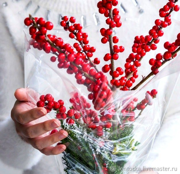 Ветка с ягодами Илекс.Живые цветы.Букет в вазу, Букеты, Москва,  Фото №1