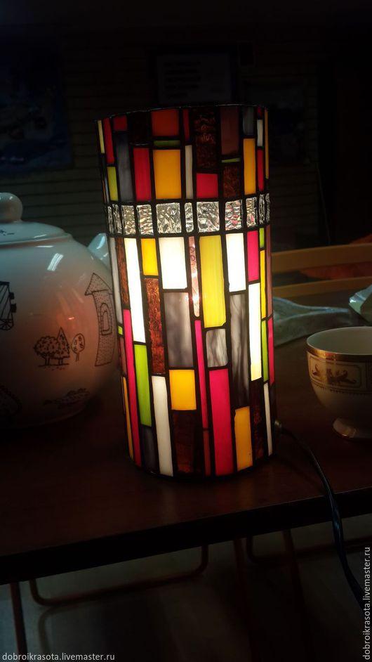 Настольный светильник. Стеклянная мозаика. Авторская работа.