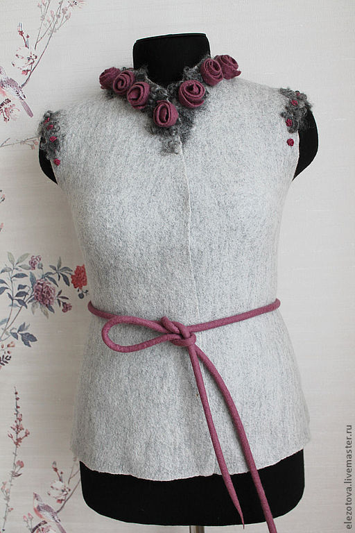 """Жилеты ручной работы. Ярмарка Мастеров - ручная работа. Купить Жилет""""Розы в тумане"""". Handmade. Серый, розы, романтика, шерсть 100%"""