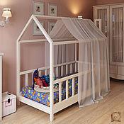 Детская кроватка домик на ножках
