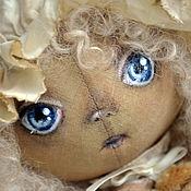 Куклы и игрушки ручной работы. Ярмарка Мастеров - ручная работа Кукла текстильная интерьерная тыкваголовка кудряшка с мишкой в чепчике. Handmade.
