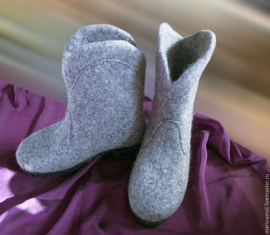 """Обувь ручной работы. Ярмарка Мастеров - ручная работа. Купить Валяные сапоги """"Зима не страшна"""". Handmade. Серый, валенки на подошве"""