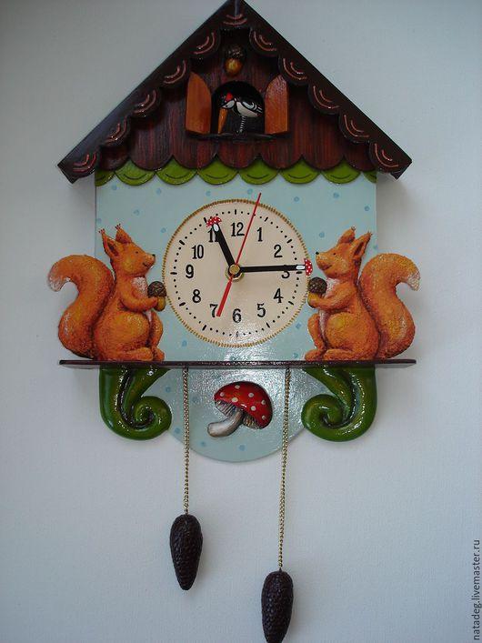 """Часы для дома ручной работы. Ярмарка Мастеров - ручная работа. Купить Часы настенные """" Лесная сказка"""". Handmade. белка"""