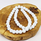 Работы для детей, handmade. Livemaster - original item White Glass beads 43 cm. Handmade.
