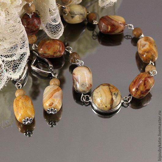 Комплект украшений бусы и серьги с камнем кремовый агат