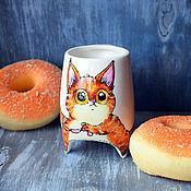 """Посуда ручной работы. Ярмарка Мастеров - ручная работа """"Рыжий кот и сосиски"""" чашка с ножками (0161). Handmade."""