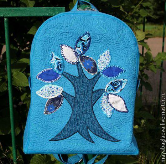 Текстильный стёганый рюкзак с аппликацией из ткани `Волшебное дерево`