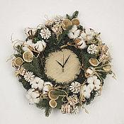 Подарки к праздникам ручной работы. Ярмарка Мастеров - ручная работа Праздничные уютные часы. Handmade.