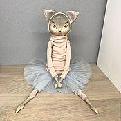 Куклы и игрушки ручной работы. Ярмарка Мастеров - ручная работа Интерьерная кукла Кошка балеринка. Handmade.
