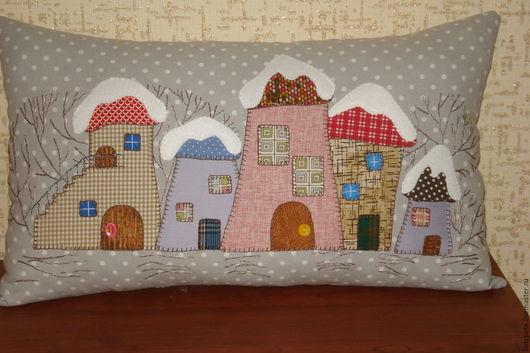 """Текстиль, ковры ручной работы. Ярмарка Мастеров - ручная работа. Купить Подушка """"Городок"""". Handmade. Болотный, подарок, Аппликация"""