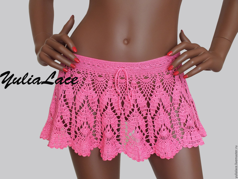 поднятые юбки без трусов фото