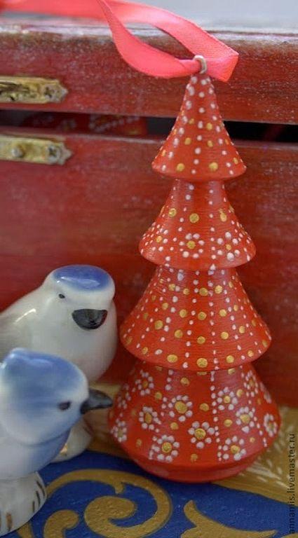 """Новый год 2017 ручной работы. Ярмарка Мастеров - ручная работа. Купить Елочная игрушка """"Елочка"""". Handmade. Ярко-красный"""