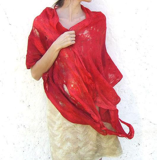 Шали, палантины ручной работы. Ярмарка Мастеров - ручная работа. Купить Красная шаль-паутинка. Handmade. Красный, красная роза