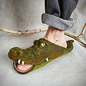 Тапочки ручной работы. Ярмарка Мастеров - ручная работа Крокодилы. Тапочки валяные шерстяные. Handmade.
