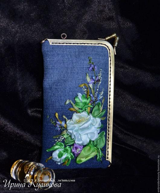 """Для телефонов ручной работы. Ярмарка Мастеров - ручная работа. Купить Чехол для телефона с угловым фермуаром вышивка лентами """" Цветы в ночи"""". Handmade."""