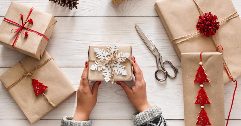 очень хочется интересные идеи новогодних подарков современная минус, минусовка