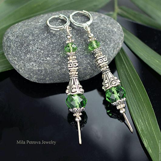 Зелёные серьги яркие, лёгкие, женственные ручной работы.