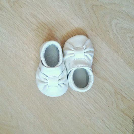 Обувь ручной работы. Ярмарка Мастеров - ручная работа. Купить Пинетки, чешки, мокасины Туфельки принцессы. Handmade. пинетки для девочки