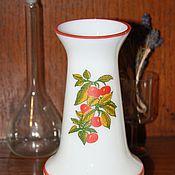 Винтаж handmade. Livemaster - original item Vase milk glass . Height 16 cm. Handmade.