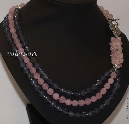 Колье, бусы из розового кварца и халцедона. Цена 2500 рублей