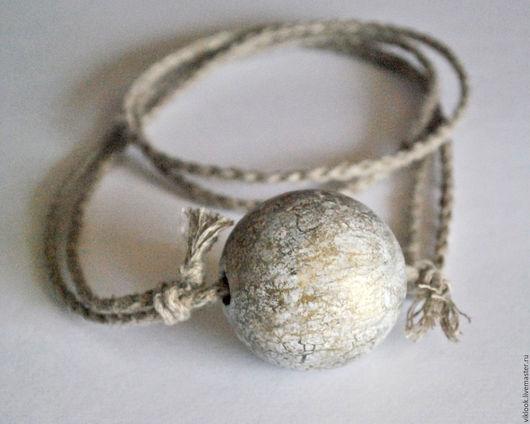 Кулоны, подвески ручной работы. Ярмарка Мастеров - ручная работа. Купить Кулон Шар на льняном шнуре. Handmade. Белый, олива