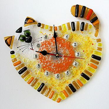 Для дома и интерьера ручной работы. Ярмарка Мастеров - ручная работа Часы: настенные фьюзинг  Сердечный кот. Handmade.