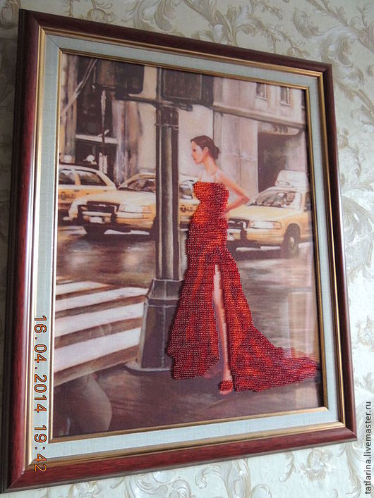 """Люди, ручной работы. Ярмарка Мастеров - ручная работа. Купить """"Девушка в красном"""" Картина бисером. Handmade. Ярко-красный"""