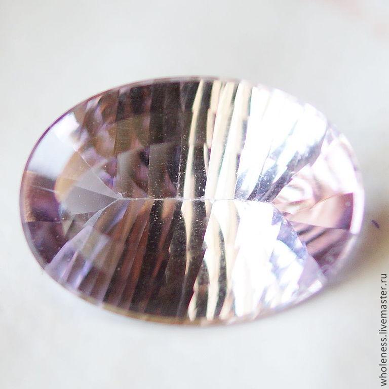 Натуральный аметист с фантазийной огранкой\r\nВес: 10.8 карат\r\nРазмер: 18.25 х 13.25 х 8.41 мм