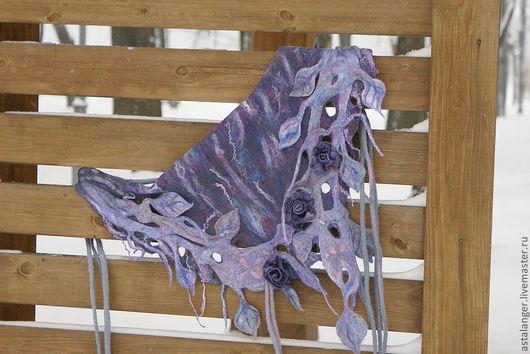 """Шарфы и шарфики ручной работы. Ярмарка Мастеров - ручная работа. Купить Валяный шарф - бактус """" сад под дождем"""". Handmade."""