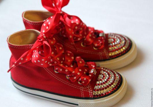 Детская обувь ручной работы. Ярмарка Мастеров - ручная работа. Купить Красные полоски.Акция 2900!. Handmade. Ярко-красный
