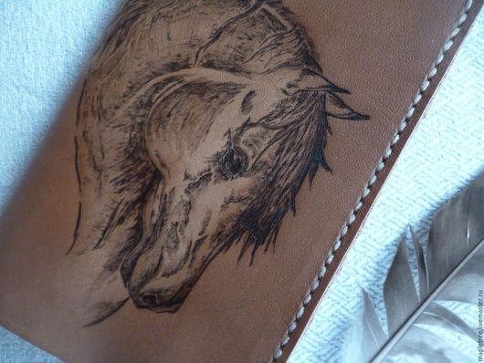 Обложки ручной работы. Ярмарка Мастеров - ручная работа. Купить Обложка для паспорта кожаная  Конь. Handmade. Коричневый, выжигание
