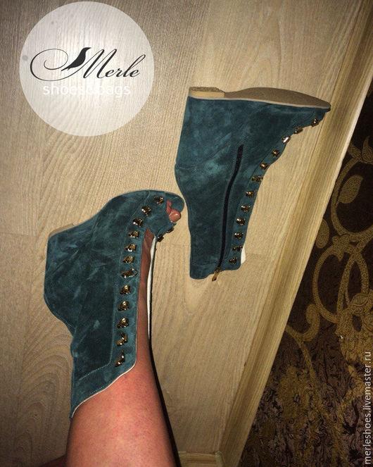 Обувь ручной работы. Ярмарка Мастеров - ручная работа. Купить Ботильоны из темно-зеленой замши, 10 см. Handmade.