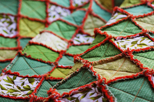 """Текстиль, ковры ручной работы. Ярмарка Мастеров - ручная работа. Купить Лоскутный плед """"Времена года. Весна"""". Handmade. Зеленый"""
