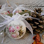 """Подарки к праздникам ручной работы. Ярмарка Мастеров - ручная работа """"Шебби розы"""" - набор новогодних шариков, елочные игрушки новый год. Handmade."""