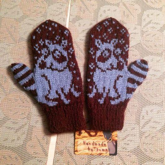 Варежки, митенки, перчатки ручной работы. Ярмарка Мастеров - ручная работа. Купить Варежки с Енотом. Handmade. Разноцветный, варежки вязаные