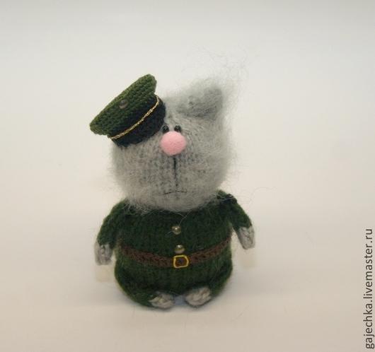 """Игрушки животные, ручной работы. Ярмарка Мастеров - ручная работа. Купить Вязаный кот """"Настоящий полковник"""". Handmade. Хаки, полковник"""