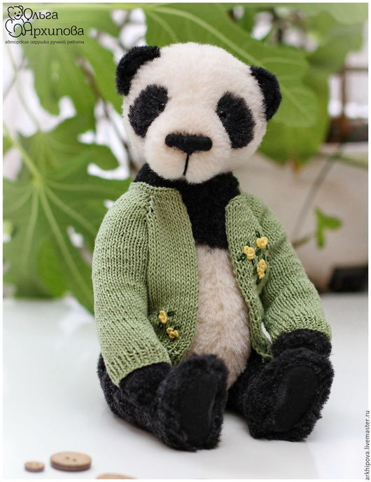 Мишка Тедди - Эко панда в вязанной зелёной кофте (чёрно-белая) Авторский медведь Тедди. Панда может быть дорогим, памятным подарком любимому близкому человеку (девушке или мужчине), друзьям.
