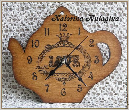 "Часы для дома ручной работы. Ярмарка Мастеров - ручная работа. Купить Часы настенные ""Love"". Handmade. Янтарный цвет"