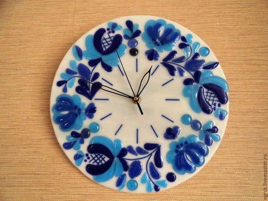 """Часы для дома ручной работы. Ярмарка Мастеров - ручная работа. Купить Часы """"Волшебная Гжель"""" фьюзинг. Handmade. Часы фьюзинг"""