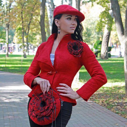 """Броши ручной работы. Ярмарка Мастеров - ручная работа. Купить Брошь валяная """"Red flowers """". Handmade. Брошь"""
